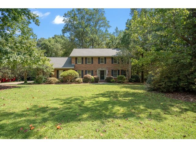 Photo of 405 Thornhill Drive